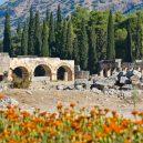 Polibek smrti boha Pluta – jedovatá jeskyně usmrcovala obětní zvířata - Hierapolis-in-Turkey-889×516