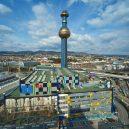 Hundertwasserova spalovna komunálního odpadu ve Vídni 9 - 5b042f456cc2a_Spittelau_Luftaufnahme
