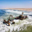 Africké pobřeží s tisíci vraky a nespočtem koster - fbb2c5d3-96a7-4f05-98a9-f0fa9e3db655-Namibia-Skeleton-Coast-shipwreck-wild-seas-SS_large