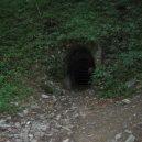 Prohlédněte si Amatérskou jeskyni, nejdelší podzemní přírodní systém ve střední Evropě - Pustý-žleb-vchod-do-Amatérské-jeskyně-