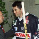 7 důvodů, proč je lepší být hokejistou než fotbalistou - Vladimir_Putin_14_August_2001-2