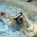 Obchodní poklad na dně Středozemního moře uchovává artefakty od antiky až po nedávnou historii - 27464586-8240287-Two_types_of_Roman_wine_amphoras_the_classic_containers_jug_with-a-94_1587573800017