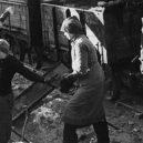 Hrdinné ženy, nebo nástroj propagandy? Podívejte se, kdo to byly německé Trümmerfrauen - 76456