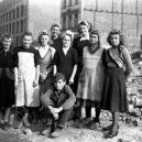 Hrdinné ženy, nebo nástroj propagandy? Podívejte se, kdo to byly německé Trümmerfrauen - 76458