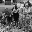 Hrdinné ženy, nebo nástroj propagandy? Podívejte se, kdo to byly německé Trümmerfrauen - 76468