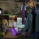Klec jako domov – nedůstojné klaustrofobické bydlení nejchudších bohatého Hongkongu - coat-hanging