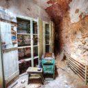 Procházka opuštěnou věznicí – Eastern State Penitentiary - prison-guards-locker-room