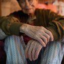 Klec jako domov – nedůstojné klaustrofobické bydlení nejchudších bohatého Hongkongu - respirator-man