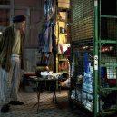 Klec jako domov – nedůstojné klaustrofobické bydlení nejchudších bohatého Hongkongu - sad-gaze