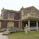 Římské lázně, sportovní hala i socha sv. Jiřího. Prohlédněte si honosnou vilu u Brna, kterou experti označují za neprodejnou - Snímek obrazovky 2020-04-25 v14.02.37