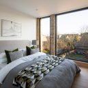 Luxusní The Coach House vyplňuje prostor mezi dvěma viktoriánskými budovami v londýnské čtvrti - coach-house-selencky-parsons-architecture-london-uk_dezeen_1704_col_21