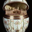 Fabergého vejce – jeden z nejvzácnějších ztracených pokladů - House_of_Fabergé_-_Gatchina_Palace_Egg_-_Walters_44500_-_Open_View_B