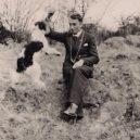 Otto Rahh se při snaze dostat se ze spáru SS rozhodl umrznout - otto_and_canine_friend_0