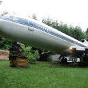 Bizarní bydlení uvnitř vyřazeného Boeingu 727 - retired-boeing-727-recycled-home-bruce-campbell-18