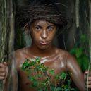 Ohromující fotografie indonéského kmene s magickým pohledem - 120139888_368158827553864_278032600842859385_n-5f7a4d684ddbb__880