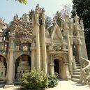 "Bizarní, ale úchvatný ""Le Palais idéal"". Odhodlaný pošťák jej stavil sám po neuvěřitelných 33 let - facade_west_-_palais_ideal_-_dsc05824"