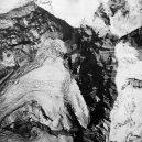 Roku 1933 se udál první přelet nad gigantickým Everestem - flying-over-everest (15)