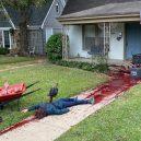 Meč v hlavě, motorová pila v zádech a hromady vnitřností. I takhle se dá slavit Halloween - 0-22-745×400