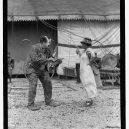 První světoznámá cirkusová diva – Lillian Leitzelová s českými kořeny - 1200px-Bill_Stieneke_&_Lillian_Leitzel,_5-15-25_LCCN2016839880