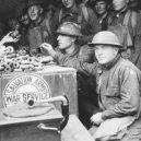 """""""Donut Dollies"""" připravovali vojákům čerstvé donuty přímo na válečné frontě - 635510329755551500-Donut-Girls-first-Donut-Day"""