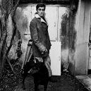 Herec, rebel, sex symbol, ale i řezník a mariňák. Legendární Alain Delon, oslaví 85 narozeniny - Alain-Delon-01-GQ-3Jan18_getty_b