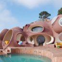 """""""Palais Bulles"""" – růžové kuriózní sídlo se stalo domovem slavného návrháře - palais-bulles-dior-1-e1581610336971"""