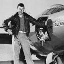 """""""Nejrychlejší muž na zemi"""" Chuck Yeager zemřel ve věku 97 let - _115929016_gettyimages-514689894"""