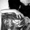 Za zavřenými dveřmi tetovaných žen členů japonské mafie - 1246390