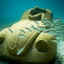 Kuriózní podmořské muzeum obývá stovky soch v životní velikosti - 14176-842