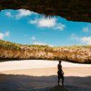 Playa del Amor – mexická pláž lásky, k níž se dostanete pouze za odlivu - GI-648272128-Hidden_Beach