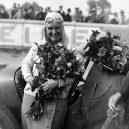 Zamilovaní manželé Junkovi ovládli (nejen) český automobilismus. Konec nastal tragickou smrtí jednoho z nich - unnamed