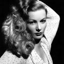 Veronica Lake – ikona s nadčasovým lookem, na kterou se však rychle zapomnělo - veronica-lake-headshot