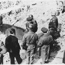 Ohrdruf – první z Američany osvobozených nacistických táborů - Buchenwald_Ohrdruf_Patton_Eisenhower_64082