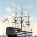 Vyplula roku 1765, přežila bitvu u Trafalgaru a činí se dodnes. HMS Victory je nejstarší lodí v aktivní službě - 800px-Victory_Portsmouth_um_1900