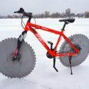 Projeli byste se na bicyklu s pilovými kotouči místo gum? - circular-saw-bicycle-tires-the-q-880-4