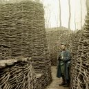 Hildenbrandovy fotografie zachytily první světovou válku v reálné barvě - Hans_Hildenbrand__WW1_wooden_trenches