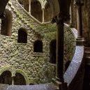 Mysteriozní iniciační studna v portugalském Quinta da Regaleira - Initiation-Well-stairs