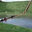 Dechberoucí Mojžíšův most vás provede skrz vodní hladinu - Moses-Bridge