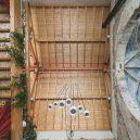 Takhle se bydlí v bývalé ruině renesančního kostela - the-church-of-tas-sopuerta-spain-designboom-1800-1