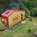Překrásný domek jak do kapsy si postavili vlastnoručně - RECYCLED-TINY-HOUSE-(10-of-10)