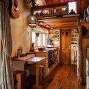 Překrásný domek jak do kapsy si postavili vlastnoručně - RECYCLED-TINY-HOUSE-(4-of-10)