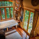 Překrásný domek jak do kapsy si postavili vlastnoručně - RECYCLED-TINY-HOUSE-(5-of-10)