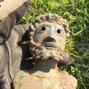 Hledači cenností vykopali na poli krásný antický poklad - 42032074-9495133-image-a-20_1619004118990