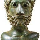 Hledači cenností vykopali na poli krásný antický poklad - highlight