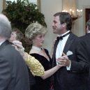 Ikonická fotka Johna Travolty s princeznou Dianou při plesu v Bílém domě - princess-Diana-john-Travolta-story-pictures (3)